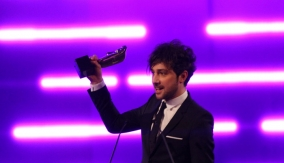 Presenter Alex Zane