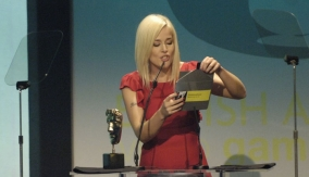 Sarah Hendry presents