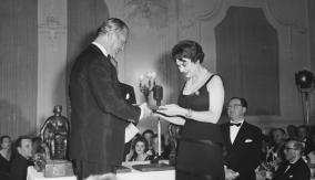 Winner Irene Worth