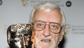 Cribbins in the Press Room