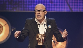 Harry Hill presents the award