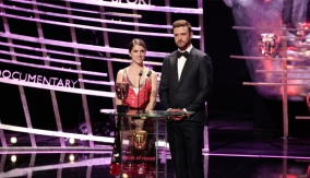 Presenters Anna Kendrick and Justin Timberlake