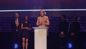 Lizard Girl wins the award
