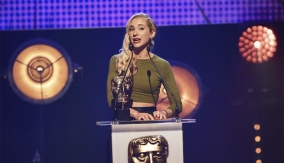 Maddy Hill presents the award