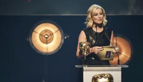Denise van Outen presents the award