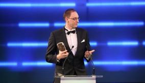 Simon Roberts at the Podium