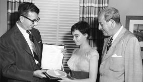 Winner Leslie Caron