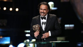Alejandro G. Iñárritu accepts his award